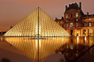 Louvre102840_640